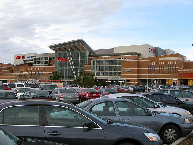 Southcenter Parking (Photo by Oran)