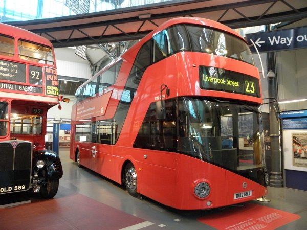 Transport for London: Metro's model for banning cash boardings (Wikicommons)